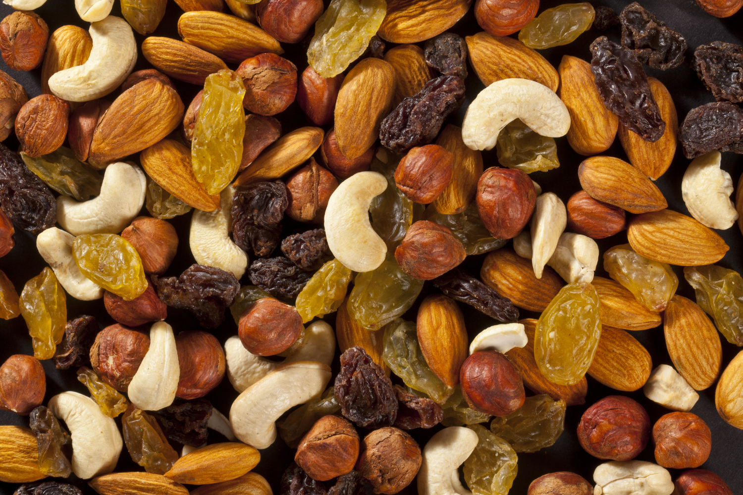100% organic and high quality at best price pistachios, Almonds, cashew nuts